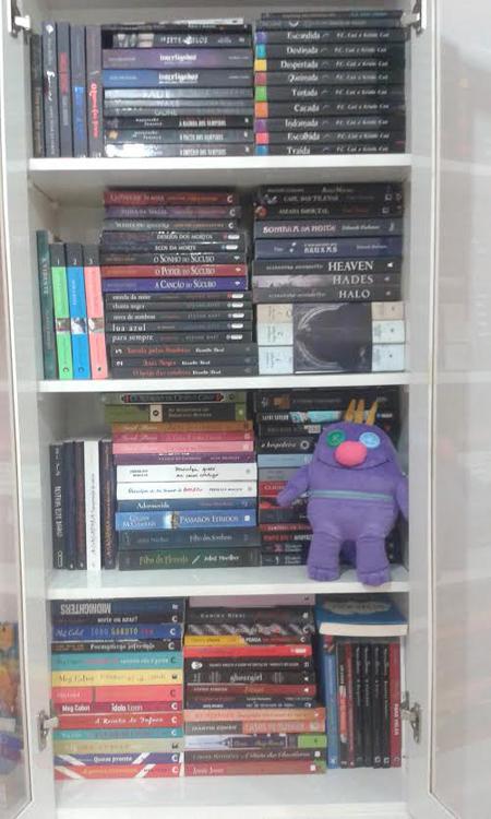 monstro_daMel_livros